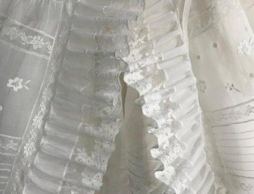 Limpieza y planchado de traje de bautismo antiguo